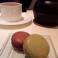 1/9/2012 tarihinde tagujunziyaretçi tarafından pâtisserie Sadaharu AOKI paris 丸の内店'de çekilen fotoğraf