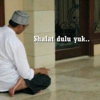 Photo taken at Masjid Jami' Adji Amir Hasanoeddin by Bagoes36 on 8/17/2012