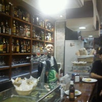 Foto tomada en Bar Ovni por Tyrada G. el 9/17/2011
