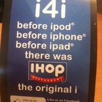 Das Foto wurde bei IHOP von Laila L. am 12/24/2011 aufgenommen