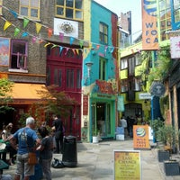 Photo taken at Neal's Yard Salad Bar by Ben Q. on 8/12/2012