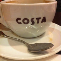 Photo taken at Costa Coffee (咖世家) by Amy C. on 5/29/2012