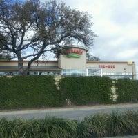 Photo taken at Serranos Cocina y Cantina - Southpark by Ronald O. on 1/10/2012
