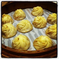 Photo taken at Din Tai Fung 鼎泰豐 by yeohyc on 11/13/2011