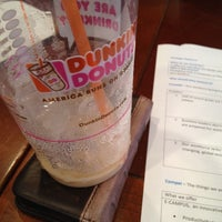 Photo taken at Dunkin' Donuts by Jose Luis M. on 6/21/2012