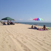 Photo taken at Hammonasset Beach State Park by Andréa V. on 8/2/2012