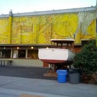 Das Foto wurde bei Anable Basin Sailing Bar & Grill von Simon R. am 7/12/2012 aufgenommen