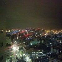 Photo taken at ヴィアイン東京大井町 by Kouichi T. on 11/22/2011