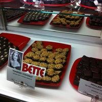 10/27/2011 tarihinde Mori R.ziyaretçi tarafından ACKC Cocoa Bar'de çekilen fotoğraf