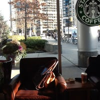 Photo prise au Starbucks par Georgina B. le1/5/2012