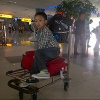 Photo taken at Soekarno Hatta Indonesian Customs by RaniiAs C. on 7/19/2012