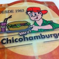 Foto tirada no(a) Chicohamburger por Samuel H. em 7/3/2011
