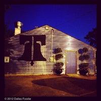 Foto tomada en Ten Bells Tavern por Dallas Foodie (. el 8/1/2012