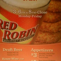 Photo taken at Red Robin Gourmet Burgers by Thomas T. on 6/9/2011