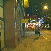 Foto scattata a Hop Sing Laundromat da P G. il 7/26/2012