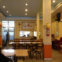 Foto tirada no(a) Formosa Restaurante Vegetariano por Rodrigo B. em 6/30/2012