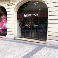 Das Foto wurde bei Nespresso von Julien L. am 6/28/2012 aufgenommen