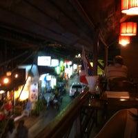 รูปภาพถ่ายที่ Cool Breeze Cafe โดย Chris P. เมื่อ 3/3/2012