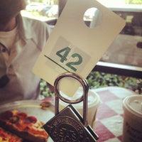 8/10/2012にBrad K.がCarmine's Pizzeriaで撮った写真
