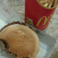 Photo taken at McDonald's by Fernando D. on 3/28/2012