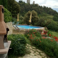 Photo taken at Villa Le Capanne by SirCambiozzi on 5/26/2012