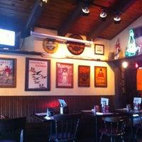 Foto tirada no(a) Crown & Anchor Pub por Wally S. em 5/2/2012