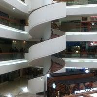 Foto tomada en Plaza Inn por Zue R. el 7/13/2012