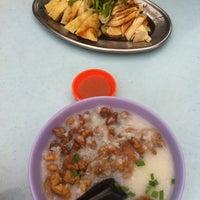 Снимок сделан в Lou Yau Kee Porridge (老友记粥) пользователем Eric C. 6/21/2012