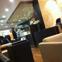 Photo taken at McDonald's by Robert-P. P. on 2/20/2012