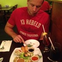 Foto tomada en Boonsong Thai Cuisine por Rick A. el 8/4/2012