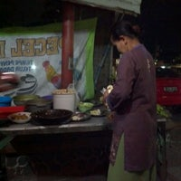 Photo taken at Pecel Lele Pak Prio by Razorblur F. on 4/12/2012
