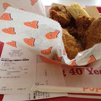 Photo taken at Popeyes Louisiana Kitchen by Chris A. on 5/1/2012
