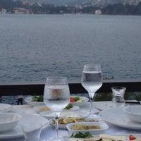 Foto tirada no(a) Kaşıbeyaz Bosphorus por Bora G. em 7/23/2012