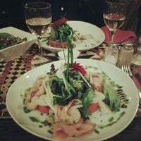 Photo taken at Raconte-Moi des Salades by Alexia B. on 4/14/2012