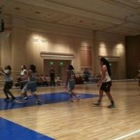 Снимок сделан в The Mirage Convention Center пользователем Jacqueline W. 7/29/2012