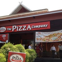 Photo taken at The Pizza Company by Oat - Potjanawan N. on 4/5/2012