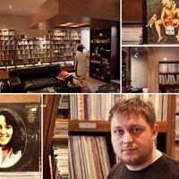 Снимок сделан в Фонотека / Phonoteka.ru / Plastinka.com пользователем The Village Петербург 2/17/2012