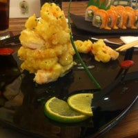 Photo taken at Sushi Itto by Vero B. on 2/27/2012