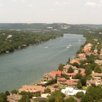 Foto tomada en Covert Park at Mt. Bonnell  por Jacob S. el 8/11/2012