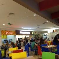Foto scattata a McDonald's da Alexander B. il 5/11/2012