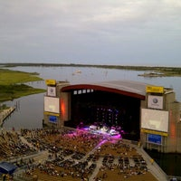 Photo taken at Northwell Health at Jones Beach Theater by Waleska on 8/21/2012