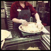 Photo taken at Papa Murphy's Take 'N Bake Pizza by Tammy H. on 4/17/2012