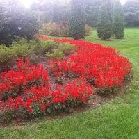 Foto diambil di Sherwood Gardens oleh joezuc pada 9/5/2012