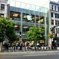 Photo taken at Apple Boylston Street by Jaime S. on 8/24/2012