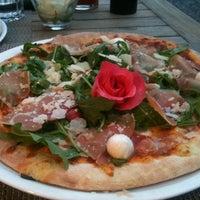 Photo taken at Pizzeria Da mario by Alma M. on 8/5/2012