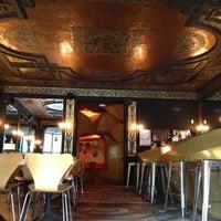 Photo prise au Delaville Café par Firdavs U. le8/15/2012