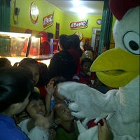 Photo taken at d'Besto Chicken & Burger by Yadin d. on 8/12/2012