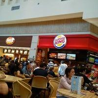 Photo taken at Burger King by Kareen Priscilla Á. on 6/9/2012