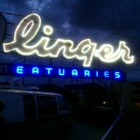 7/25/2012 tarihinde Cassy B.ziyaretçi tarafından Linger'de çekilen fotoğraf