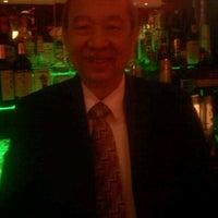 รูปภาพถ่ายที่ Crown Palace โดย Debbie V. เมื่อ 2/14/2012